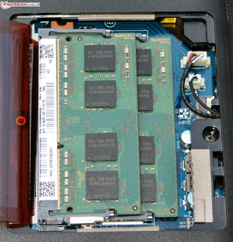 Máy có 2 khe RAM