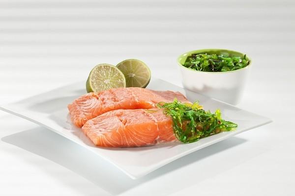 Muối có tác dụng hiệu quả để khử mùi tanh của cá