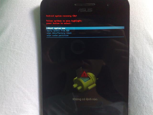 Trên Asus Zenfone vào chế độ Recovery, xem cách vào tại đây > Chọn Wipe data/ Factory Reset > Wipe cache > Apply update from ADB