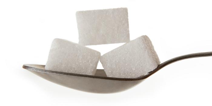 mẹo nhà bếp, khử mùi hôi bếp bằng cà phê ít đường -