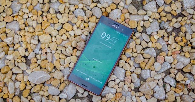 Ngắm Sony Xperia Z3 màu đồng đỏng đảnh tại Việt Nam