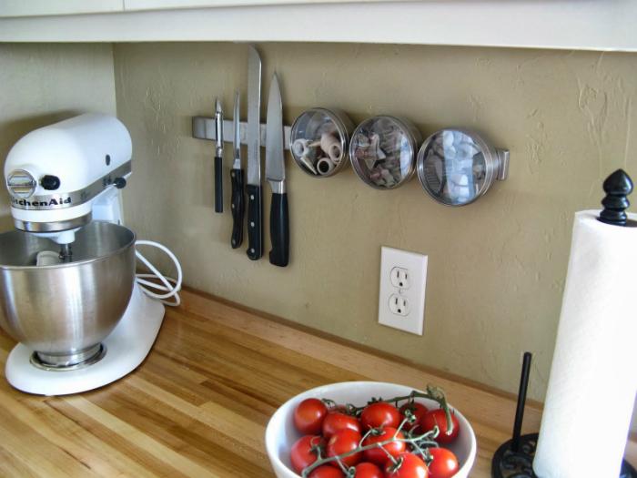 Treo dao lên tường sau khi sử dụng để đảm bảo an toàn