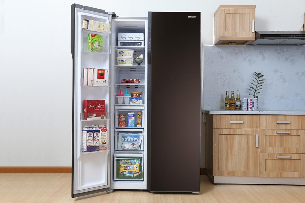 Tủ lạnh side by side hiện đại, sang trọng