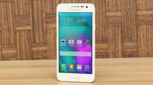 Samsung Galaxy A3 được thegioididong phân phối với giá bán 6.990.000 đồng. Đặt mua tại đây