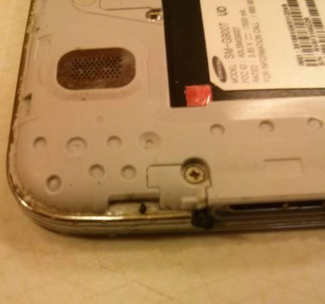 Galaxy S5 bất ngờ bị cháy không rõ nguyên nhân 6
