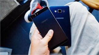 So sánh Galaxy A7 và Oppo R5, phần 1 - 'cuộc chiến' kim loại