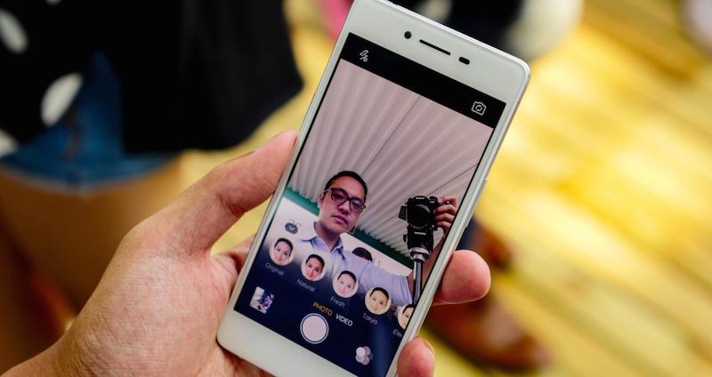 Loạt ảnh trên tay Oppo R7 và R7 Plus 2