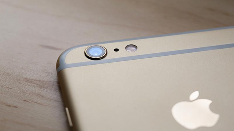 iPhone thì ngược lại