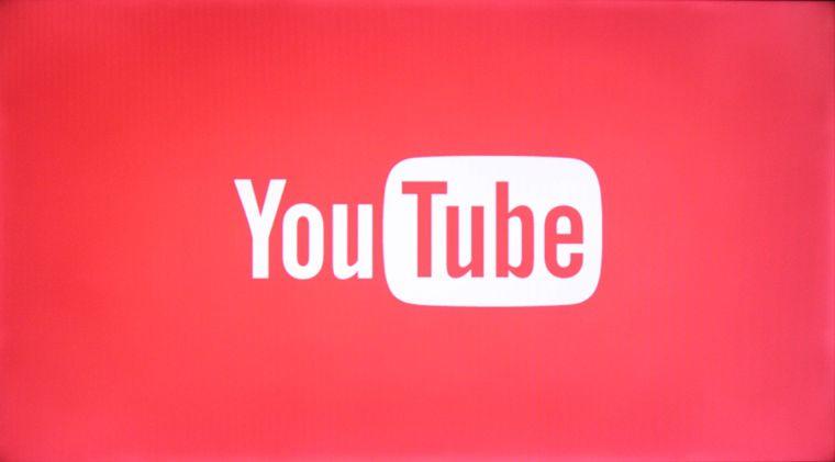 Tivi mở ứng dụng YouTube