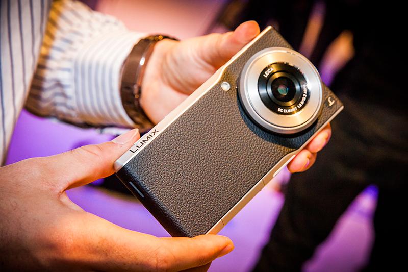 Panasonic Lumix DMC-CM1 dùng chip 4 nhân Qualcomm Snapdragon 801 2.3GHz, hỗ trợ 4G LTE
