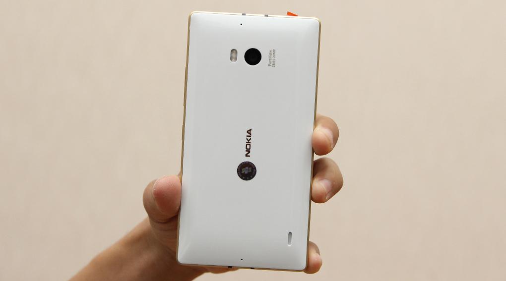 Nokia Lumia 1520 và 930 có cùng kích thước cảm biến camera 1/2.5 inch