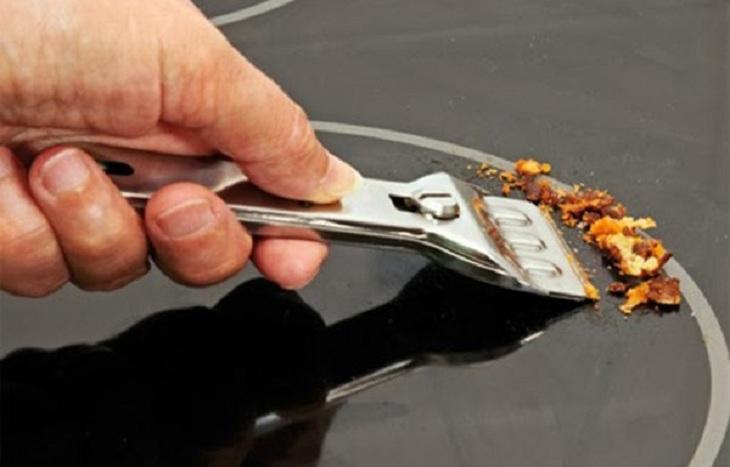 3 cách vệ sinh bề mặt bếp từ đơn hiệu quả