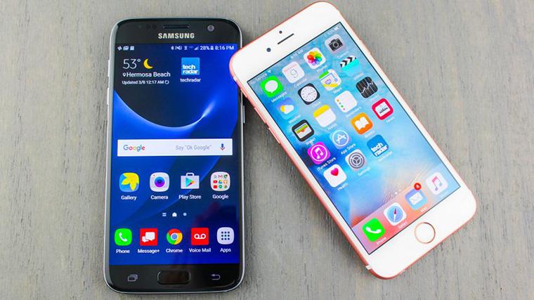 Có tiền, nên mua iPhone hay Samsung? - 187015