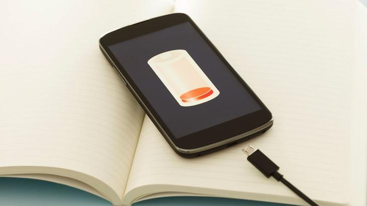 4 thói quen khiến điện thoại nhanh hư