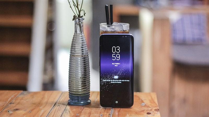 Trên tay Galaxy S8