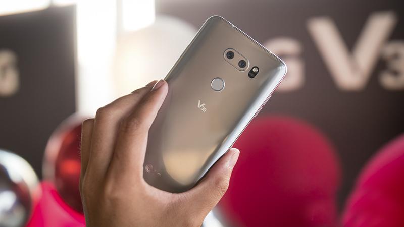 Trên tay nhanh LG V30