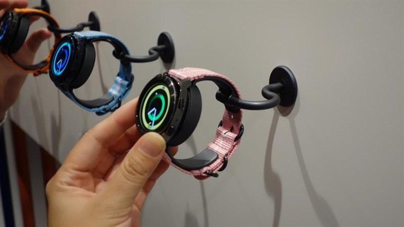 Đánh giá Samsung Gear Sport và Gear Fit 2 Pro: Chống nước cực đỉnh, tha hồ bơi lặn