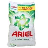 Bột giặt Ariel hương Nắng mai 2.7kg