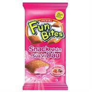 Snack Funbites nhân sữa vị Dâu gói 14g