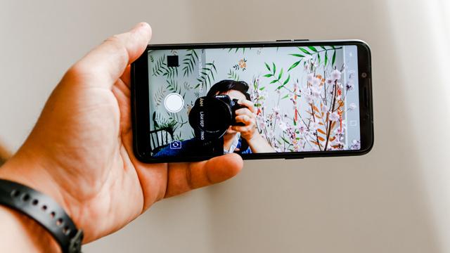 Camera selfie Oppo A83
