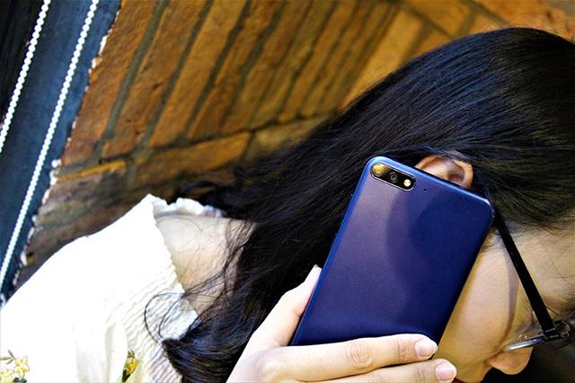 Huawei Y7 Pro (2018) gần gũi, quen thuộc
