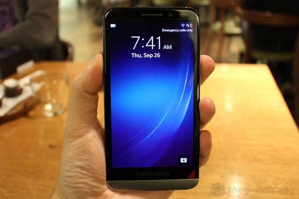 Z30 là smartphone có kích thước lớn nhất của BlackBerry