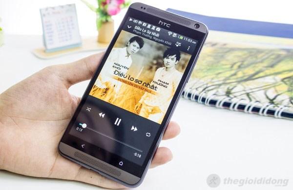 HTC Desire 700 có thiết kế đẹp với khung vỏ nhựa