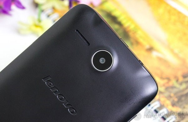 Lenovo A680 với camera 5MP