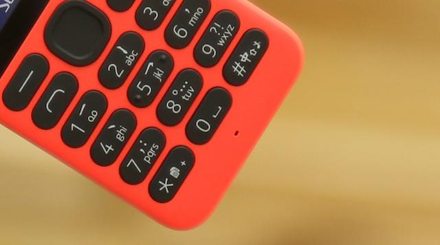 Bàn phím được làm tách rời ra xa, giúp bạn rất dễ ấn phím mà không cần nhìn