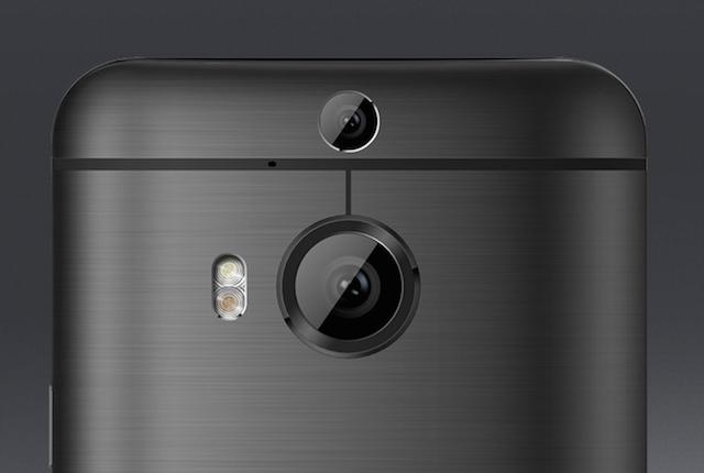 Camera kép phía sau mặt máy. Đèn flash truetone và cảm biến camera mới với mặt kính bảo vệ bằng sapphire
