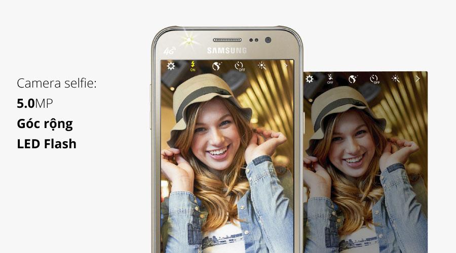 Camera trước góc rộng 5 MP cùng các chức năng chụp ảnh selfie thông minh cho việc chụp ảnh selfie dễ dàng, chất lượng ảnh chụp tốt.