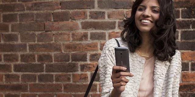 """""""2 sim 2 sóng"""" là điểm đặc biệt nổi bật giúp Nokia 230 Dual Sim thu hút nhiều lượt khách hàng mua sản phẩm"""