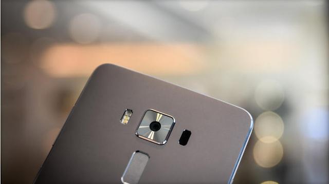 Camera thoát khỏi hình bóng của Zenfone 2
